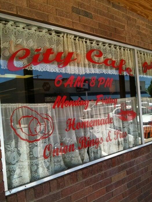 City Cafe: 114 E Cash St, Iowa Park, TX