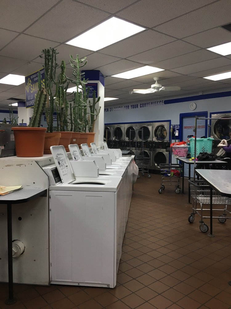 Laundroplex: 575 NW 68th St, Kansas City, MO