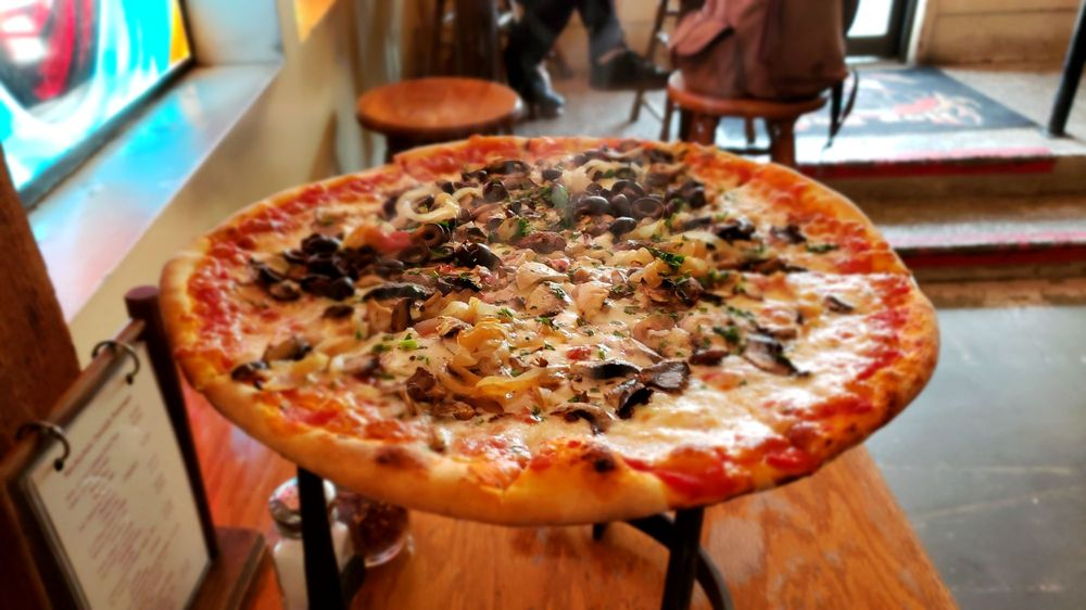 Piaci Pub And Pizzeria