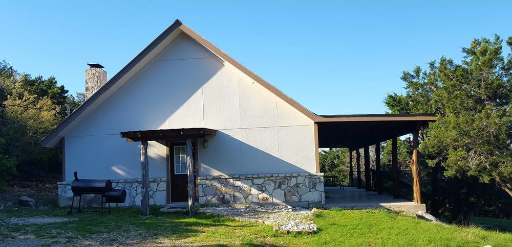 FrioMan vacation Lodging: 20142 Texas Hwy 127, Sabinal, TX