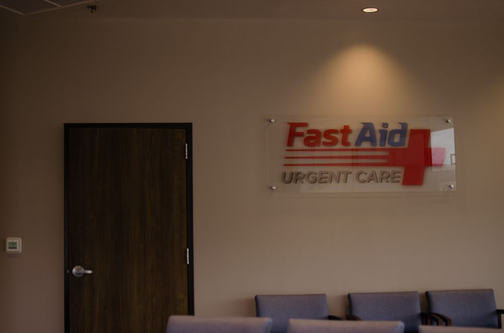 Fast Aid Urgent Care: 1670 Hwy 71 E, Bastrop, TX