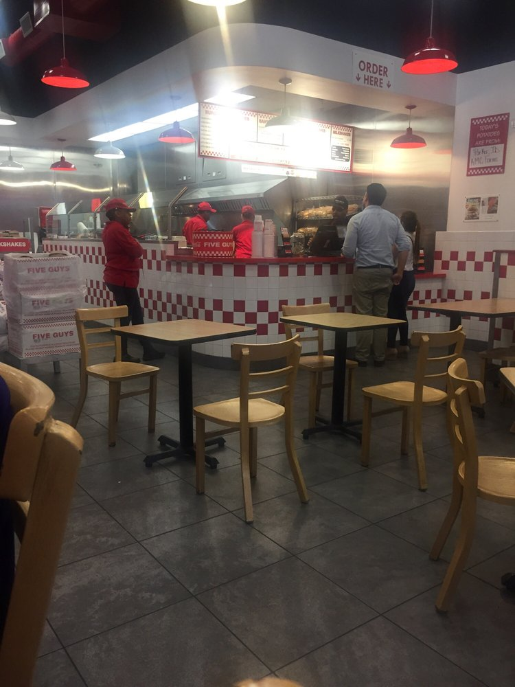 P O Of Five Guys Oak Park Il United States