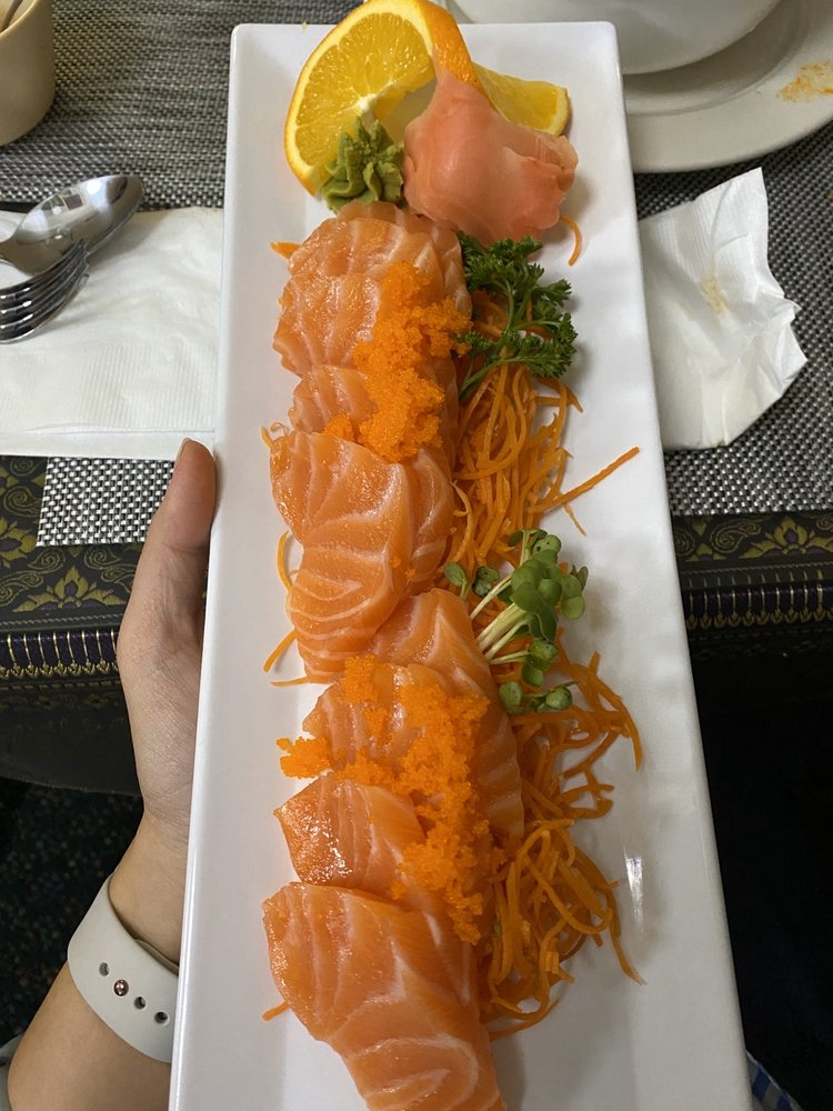 Rain Thai and Sushi Cuisine: 12 W Mesquite Blvd, Mesquite, NV
