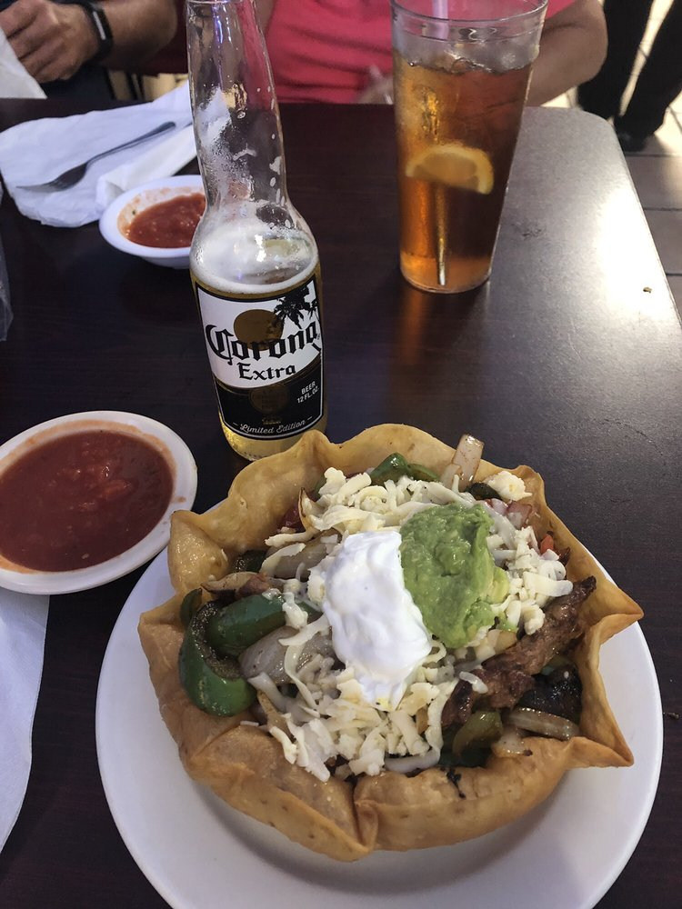 Castillo's Mexican Restaurant: 331 N Tennessee Ave, Etowah, TN
