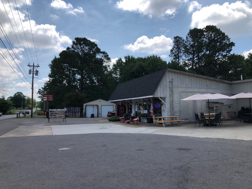 Stella Country Market: 491 ST RT 121 N, Murray, KY