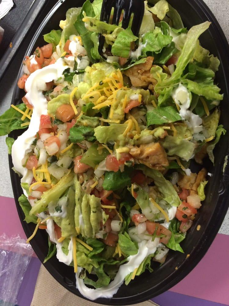 Taco Bell: 950 Connolly Ct, Park City, KS