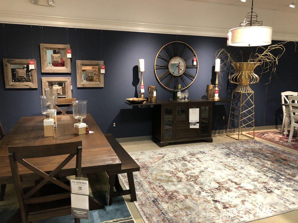 Art Van Furniture: 22225 OH-51, Genoa, OH