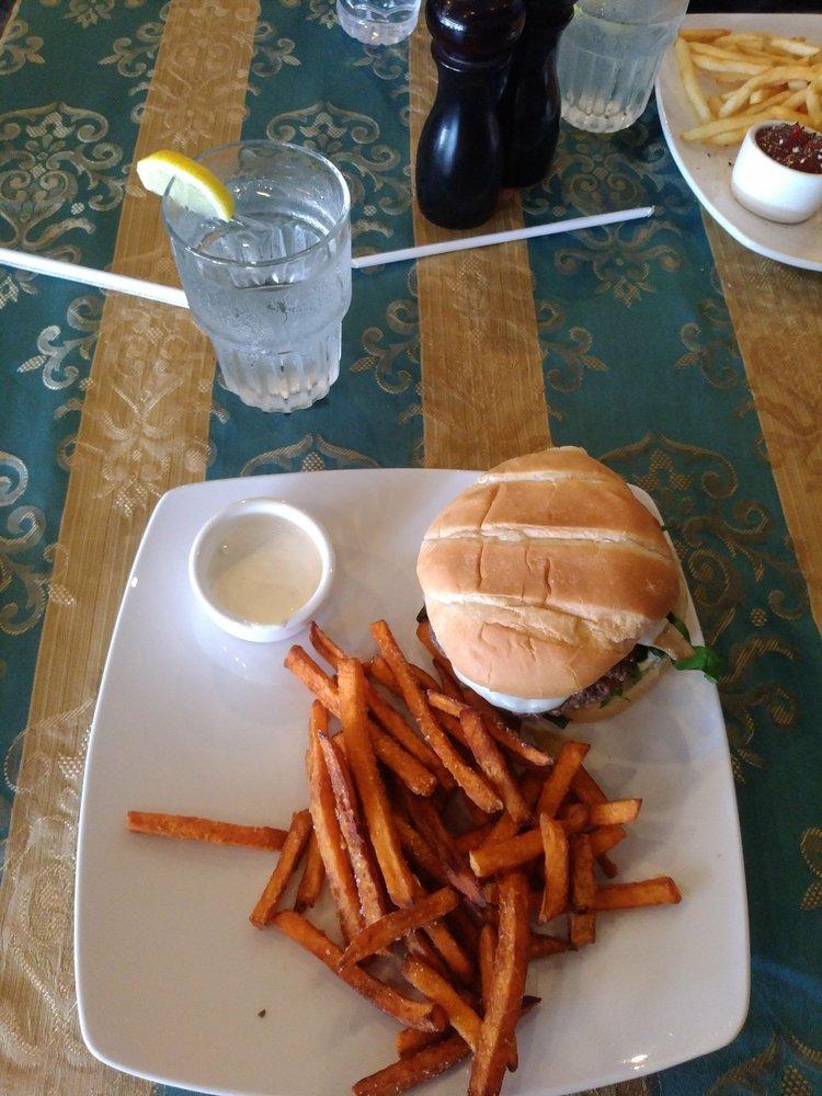 On the Sidewalk Bar & Grill: 114 W Randolph Ave, Enid, OK