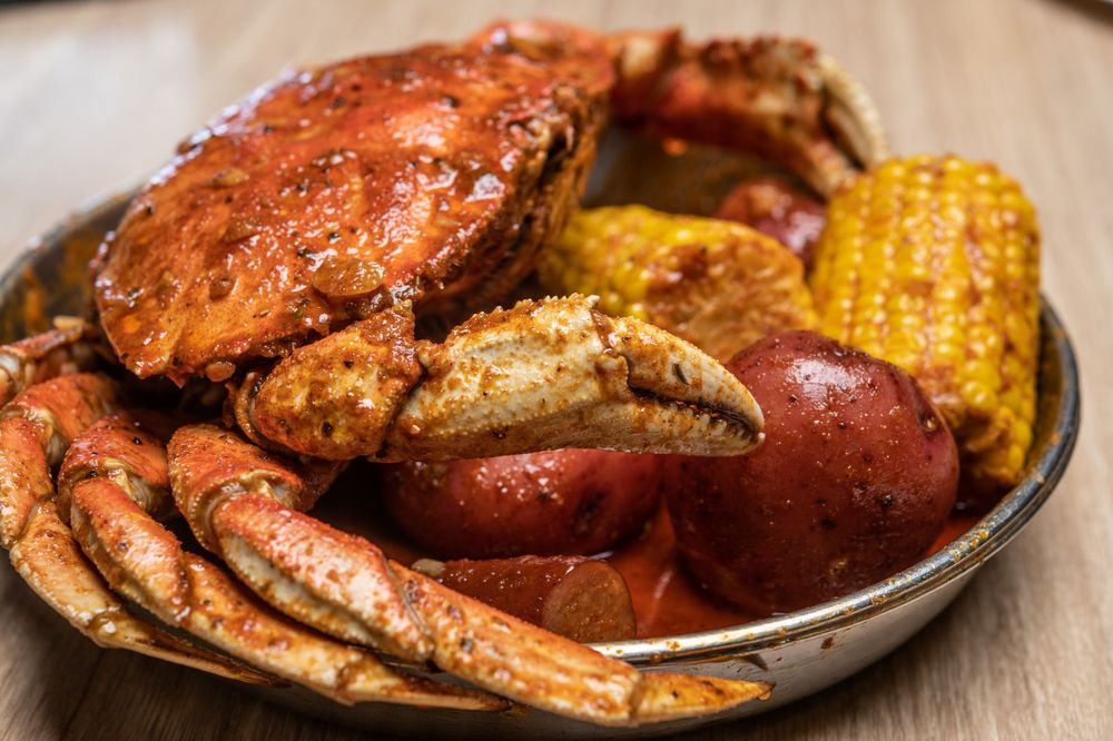The Kickin Crab: 7105 Eastern Ave, Bell Gardens, CA