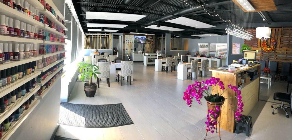 Lavish Nail Lounge and Spa: 1005 E Broadway St, Lenoir City, TN