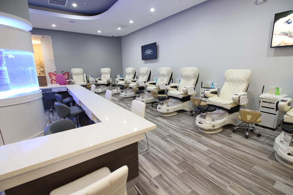 Crown Royal Nails Lounge 2: 1403 Allen Rd, Bakersfield, CA