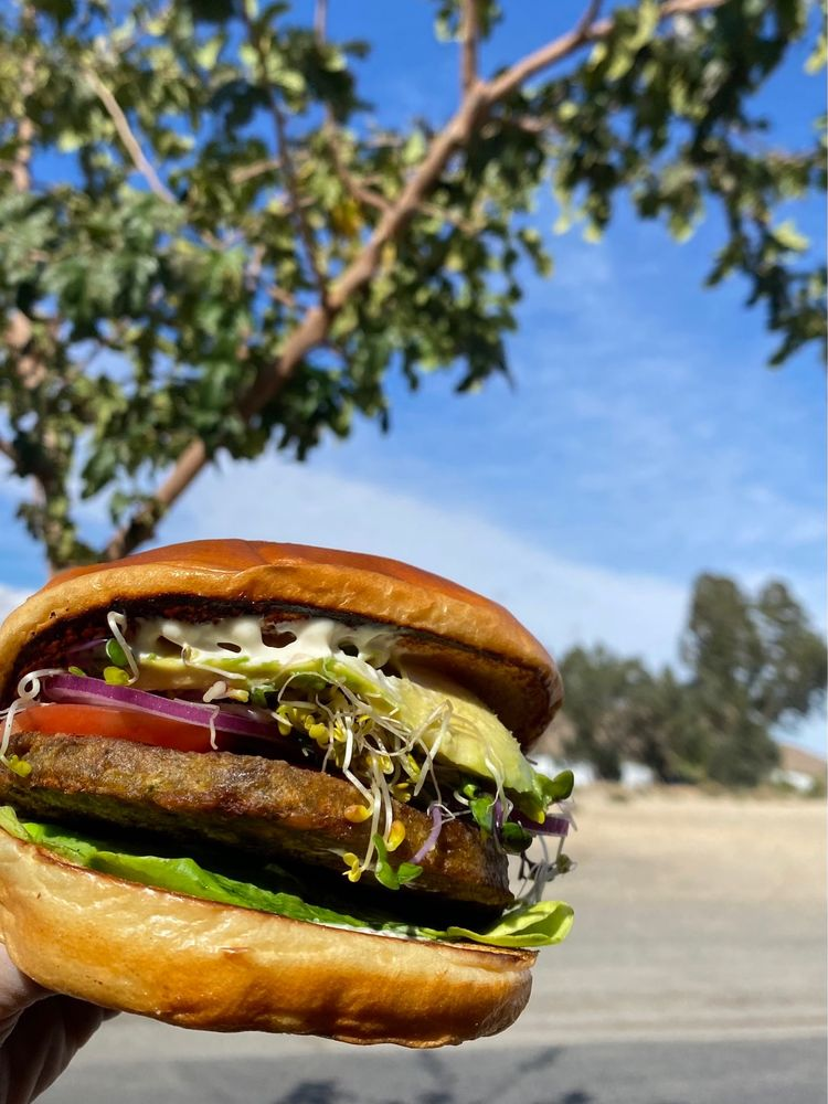 The Yucca Tree Eatery: 57754 Twentynine Palms Hwy, Yucca Valley, CA