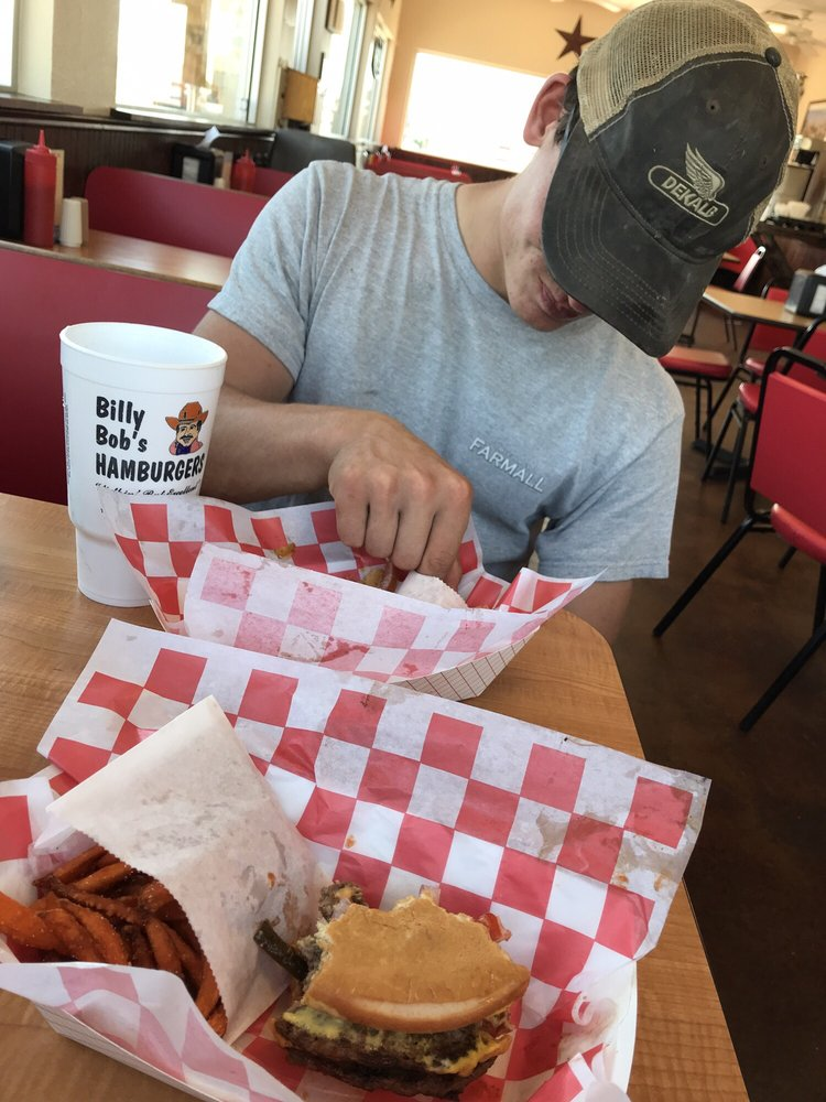 Billy Bob's Hamburgers: 2342 E Main St, Uvalde, TX
