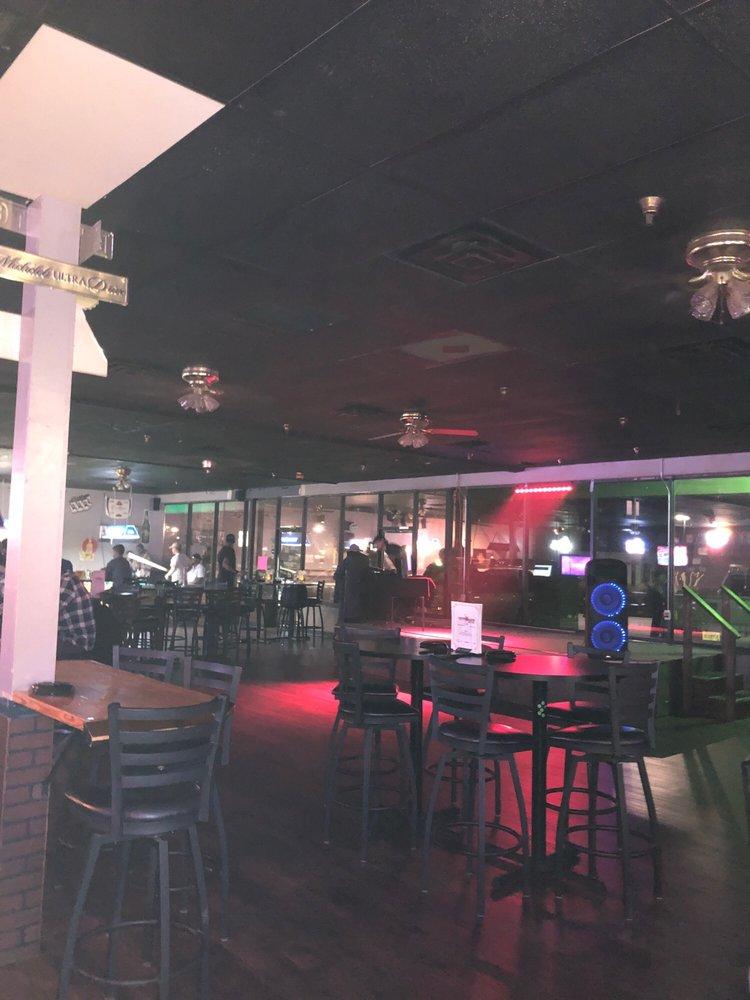 Yesterdaze Bar & Grill: 2607 Moody Rd, Warner Robins, GA
