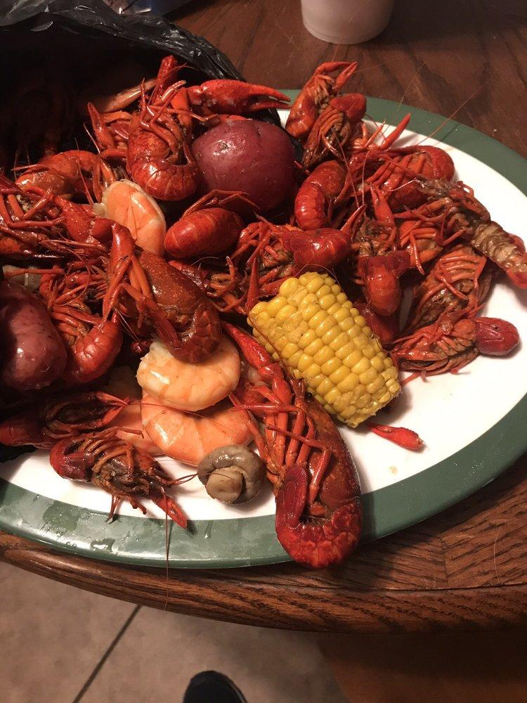 Bayou Ben's Crawfish To-Go: 5900 W 7th St, Texarkana, TX