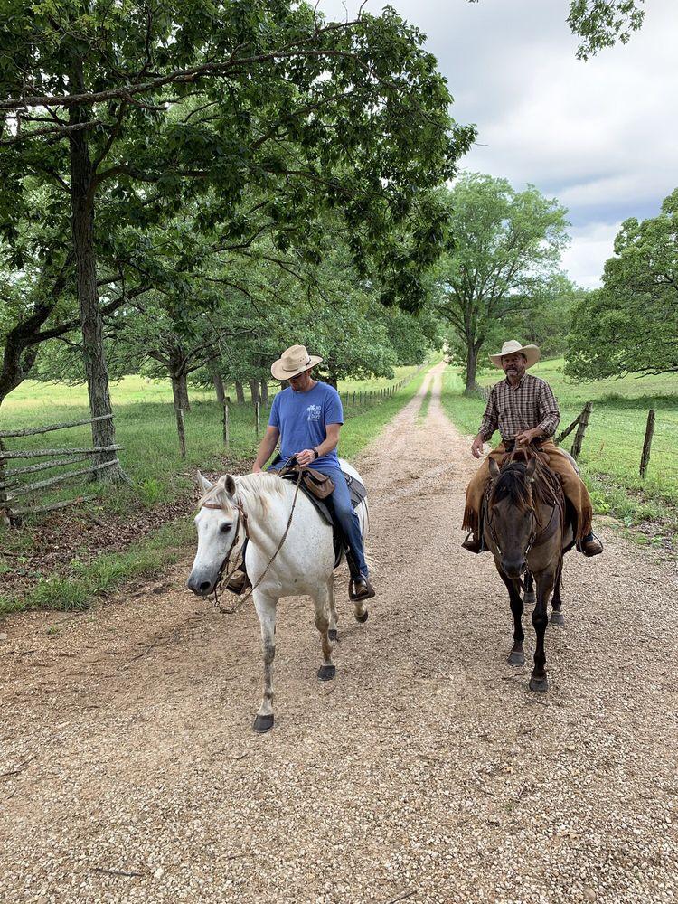 RS Ranch Trail Rides: 1275 Smith Rd, Bourbon, MO