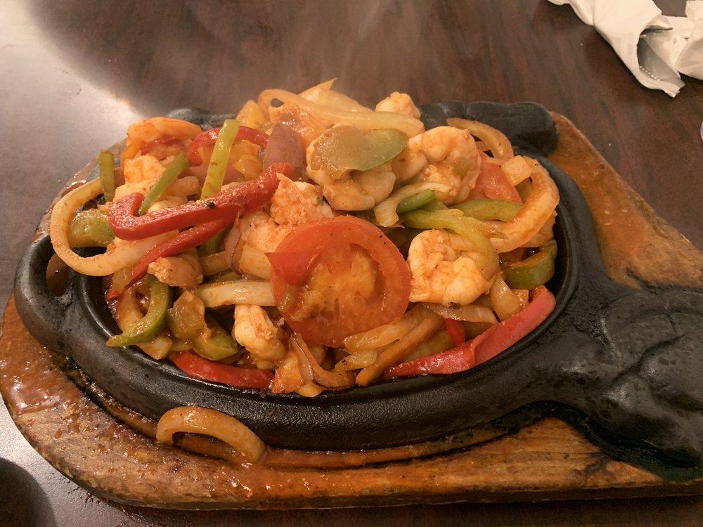 Max's Mexican Cuisine: 635 N Azusa Ave, Azusa, CA