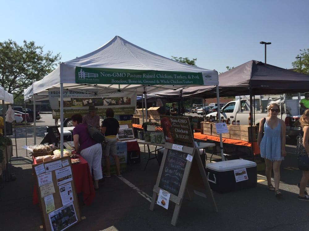Leesburg Farmers Market: 32 Catoctin Cir SE, Leesburg, VA
