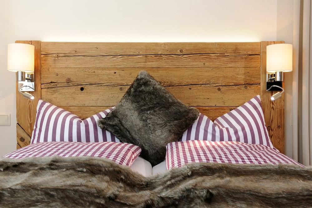 schlafgenuss in altholz betten yelp. Black Bedroom Furniture Sets. Home Design Ideas