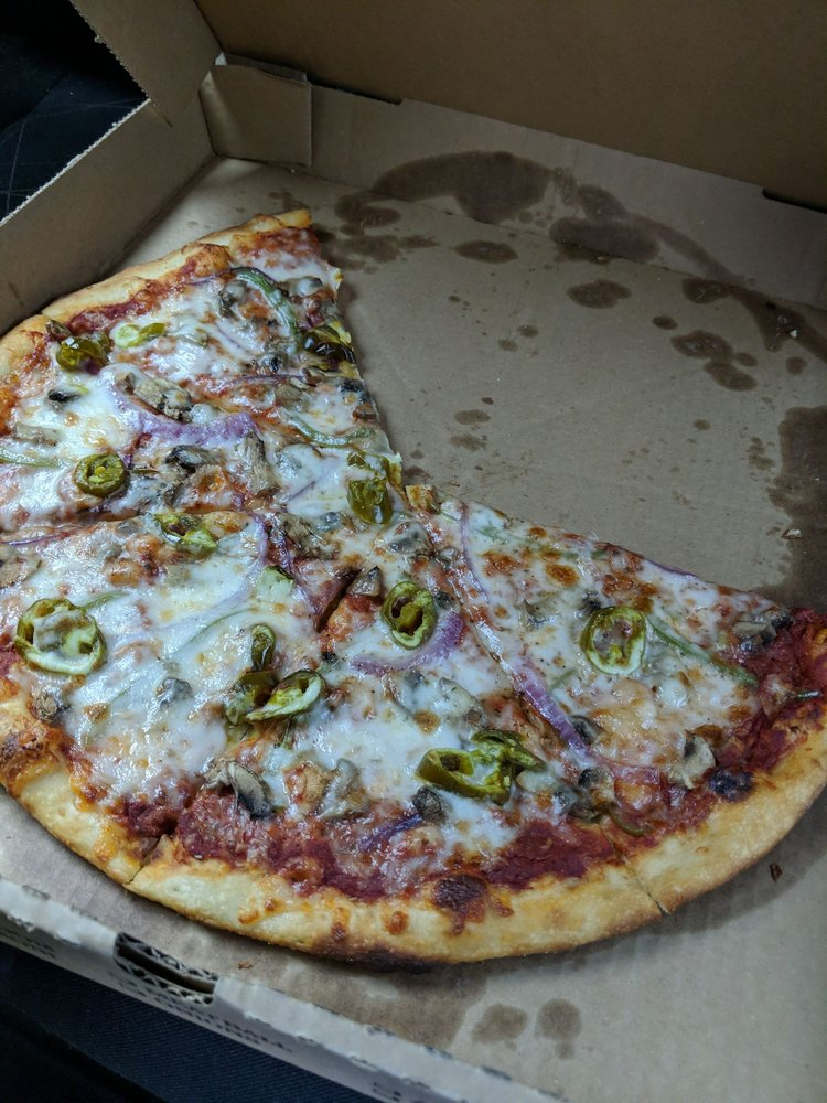 Smoke House Pizzeria: 100 N Main, Nashville, AR