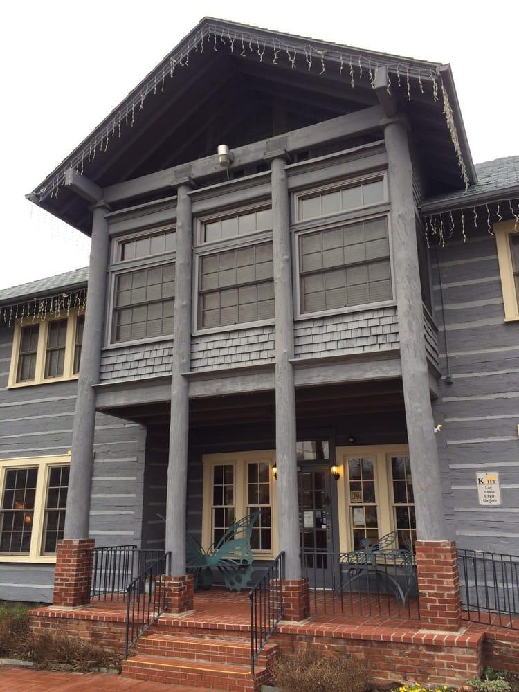 Log House Craft Gallery: 200 Estill St, Berea, KY