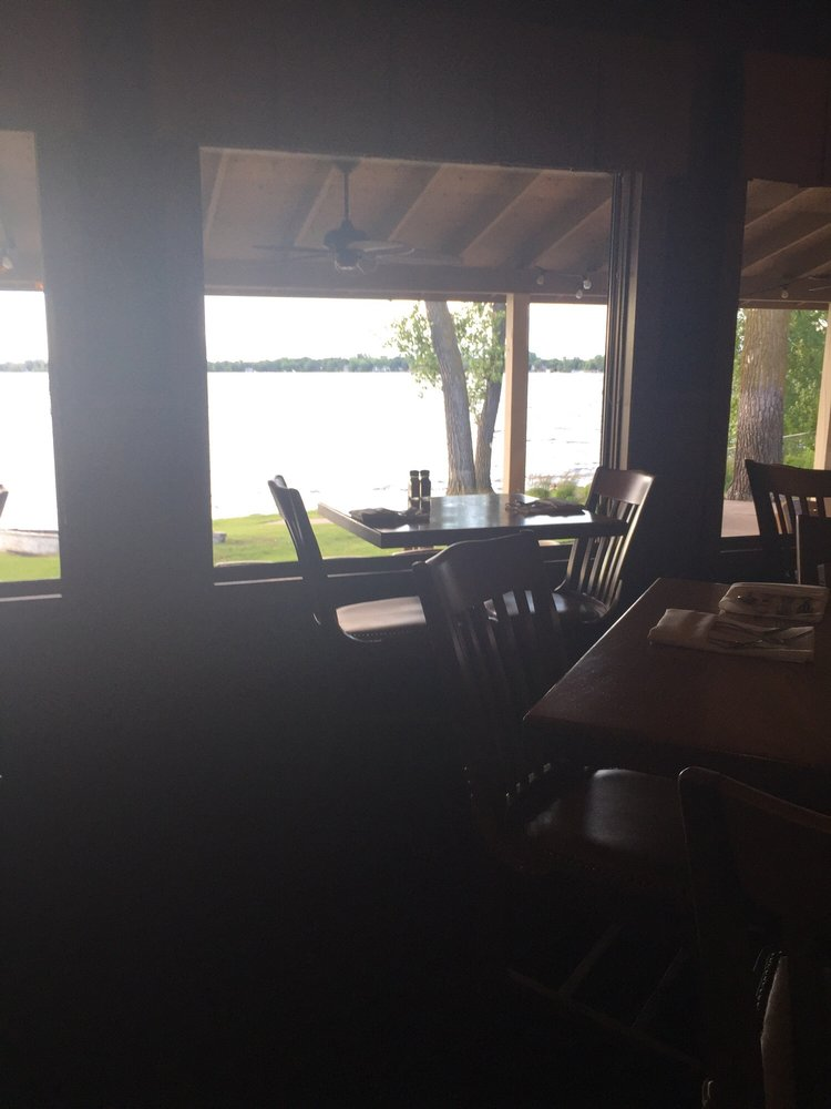 Russell's On the Lake: 111 Jefferson Blvd, Big Lake, MN