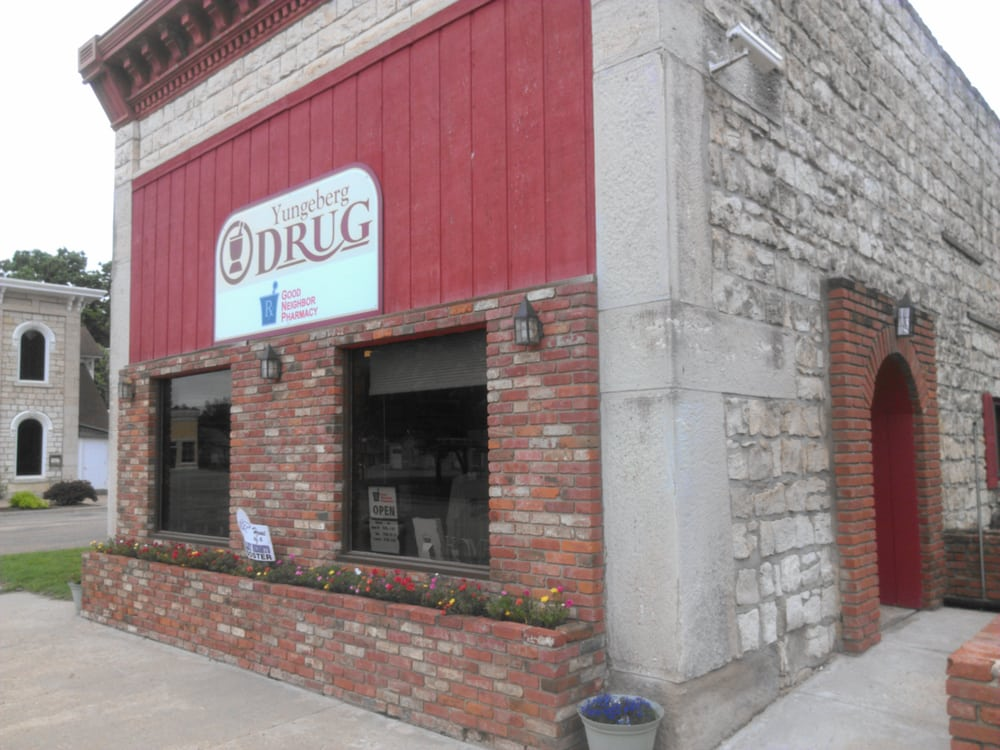 Yungeberg Drug: 17 Public Square, Blue Rapids, KS