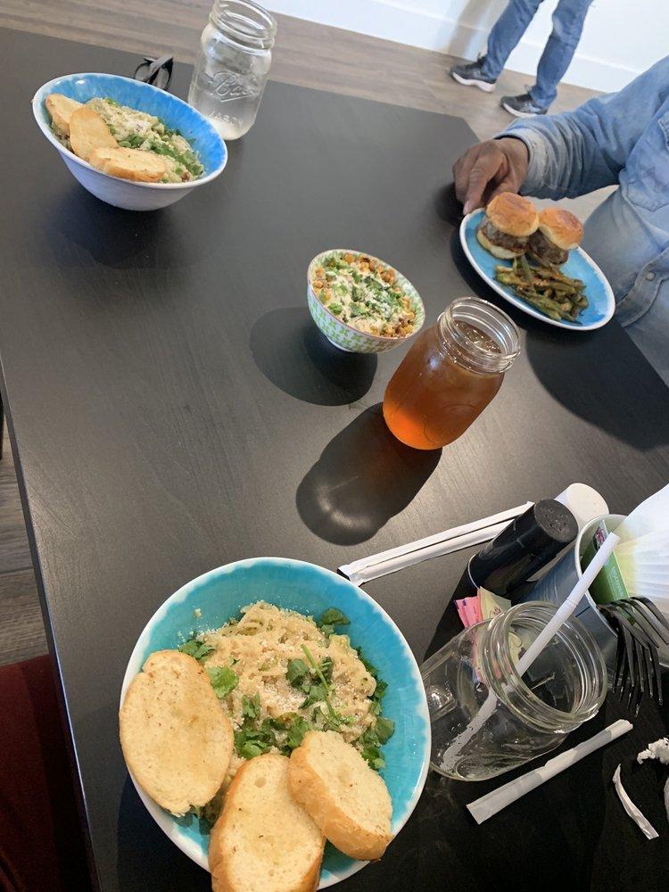 La Luncheonette: 204 Penelope, Belton, TX