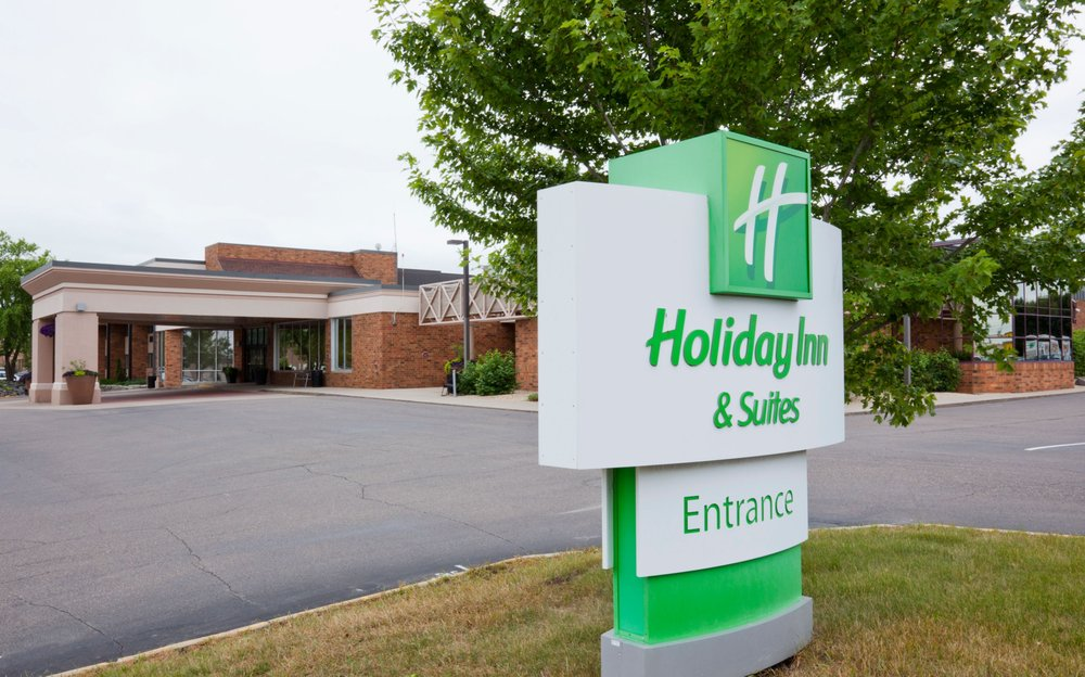 Holiday Inn & Suites - Saint Cloud: 75 37th Ave S, Saint Cloud, MN