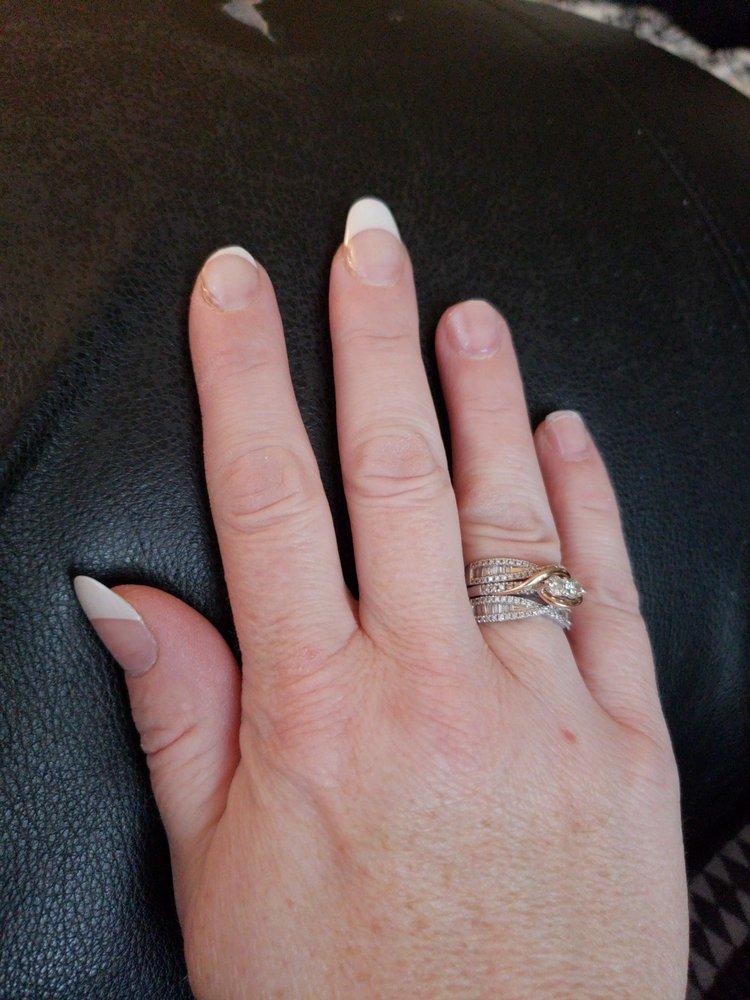Royal Nails: 12743 Garrett Hwy, Oakland, MD