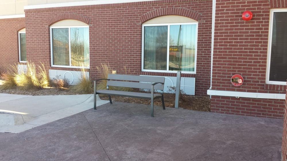 Holiday Inn Express & Suites Emporia Northwest: 3007 W 18th Ave, Emporia, KS