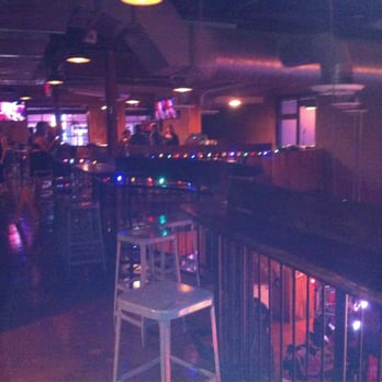Tin Roof 131 Photos Amp 71 Reviews American Traditional