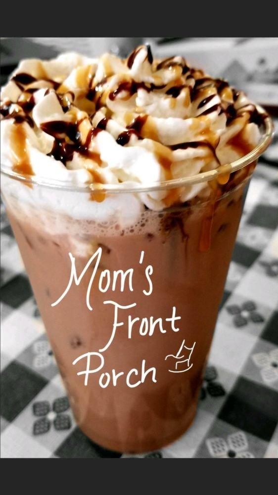 Mom's Front Porch: 401 E Davis St, Luling, TX