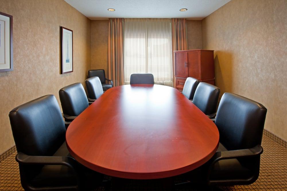 Holiday Inn Express & Suites Greenville: 1195 E Russ Rd, Greenville, OH