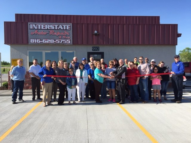 Interstate Auto & Tow: 992 W Innovation Dr, Kearney, MO