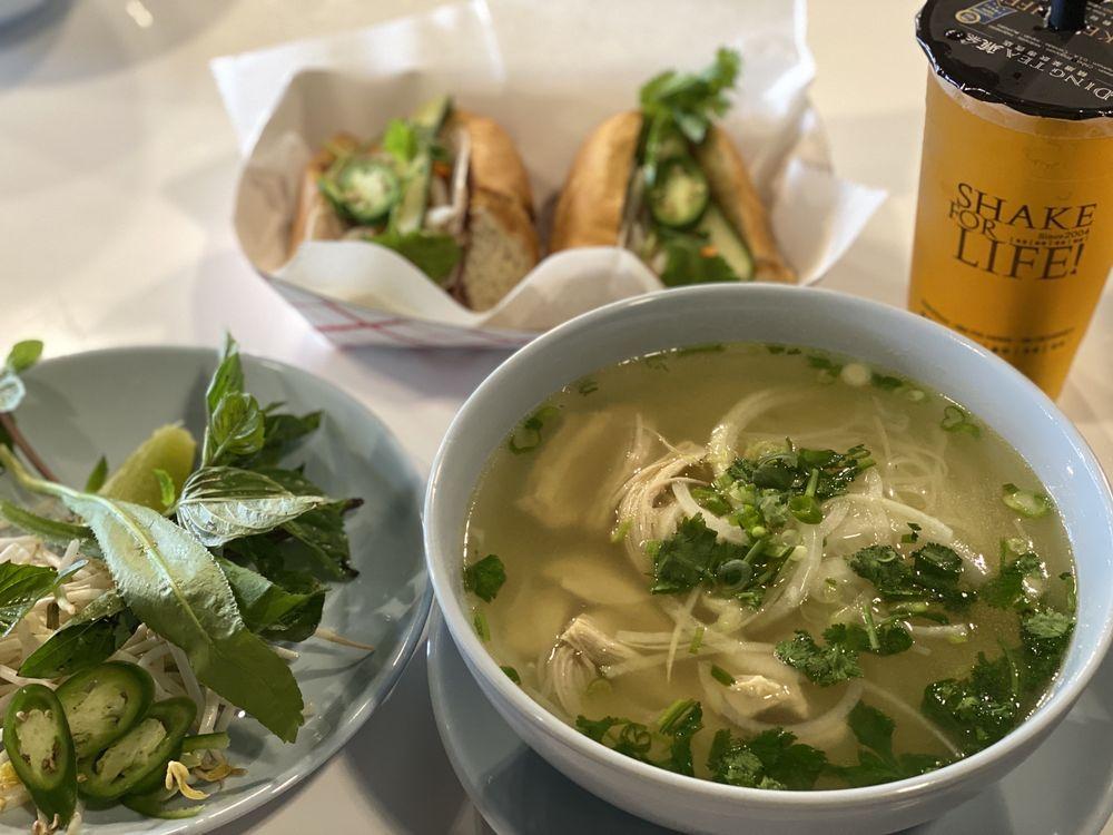 Bún-Haus Vietnamese Kitchen: 5231 University Parkway, University Park, FL