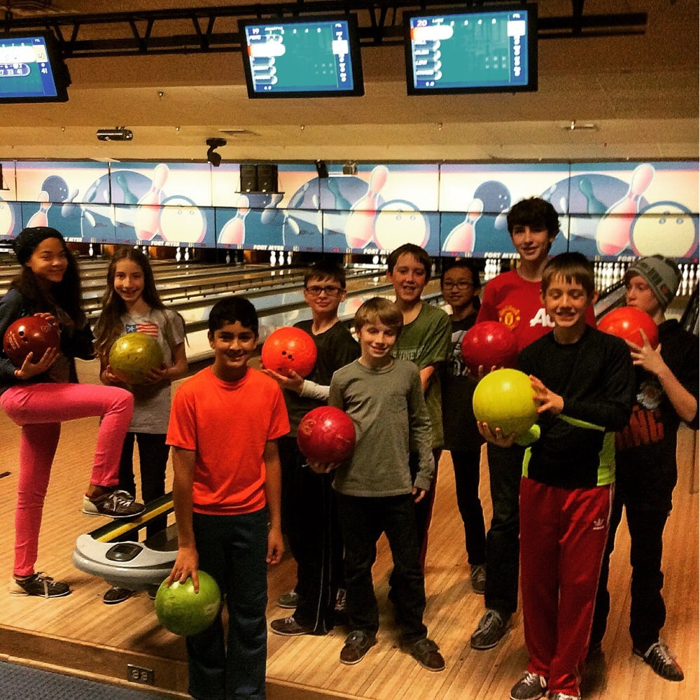 JB Myer-Henderson Hall Bowling Center: 411 McNair Rd, Fort Myer, VA