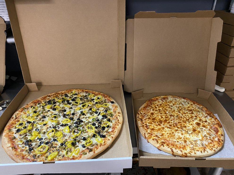 Up Da Hollor Pizza: 15111 Maccorkle Ave SE, Cabin Creek, WV
