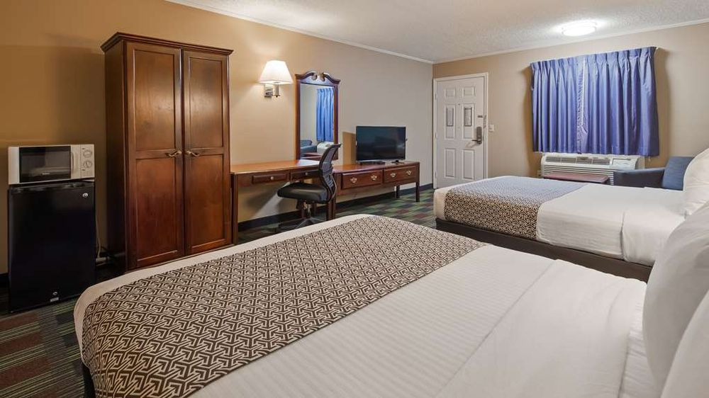 SureStay Hotel by Best Western Cameron: 2210 US Highway 36, Cameron, MO