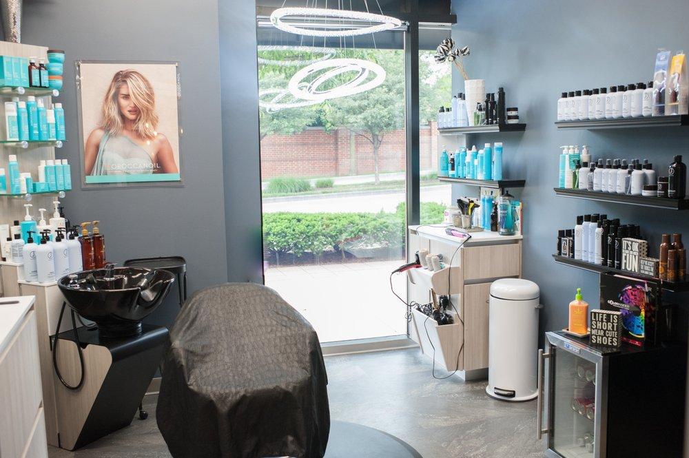 Sola Salon Studios - Champaign Commons: 105 N Mattis Ave, Champaign, IL