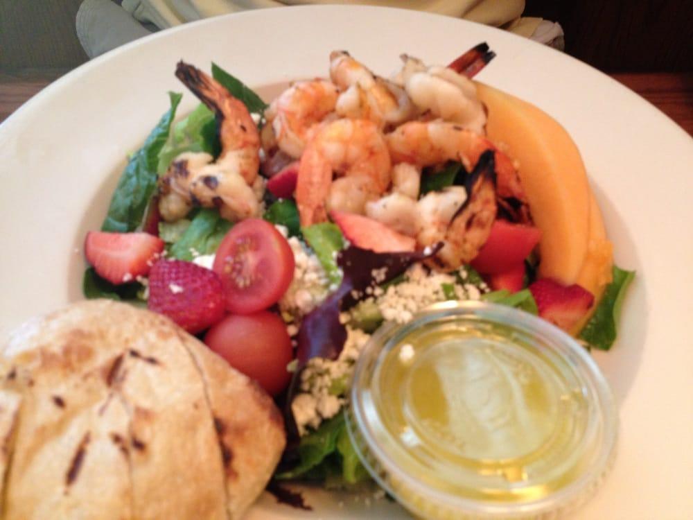 Grilled shrimp salad yelp for Fish market alexandria va