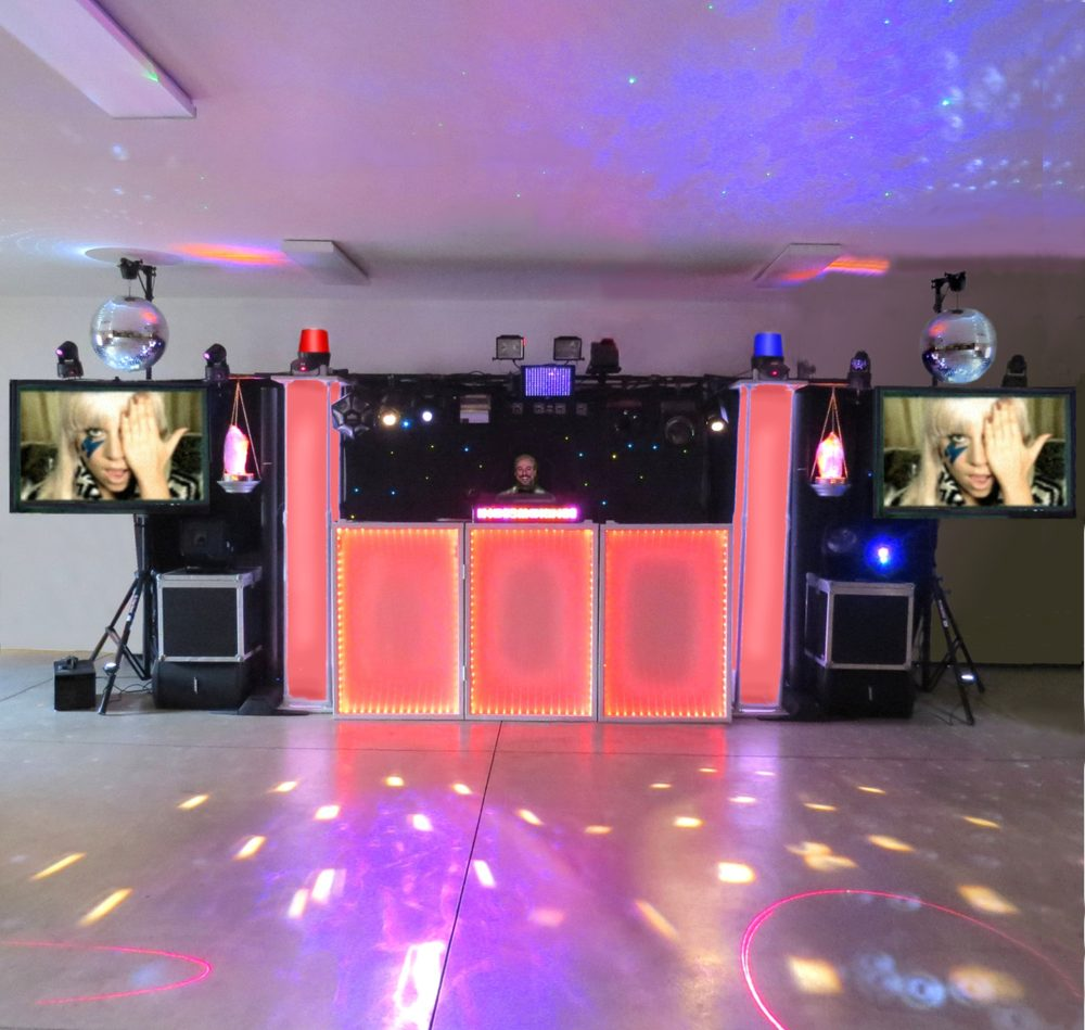 A First Class Dj & Karaoke Services: 619 Spangler St, Willard, OH