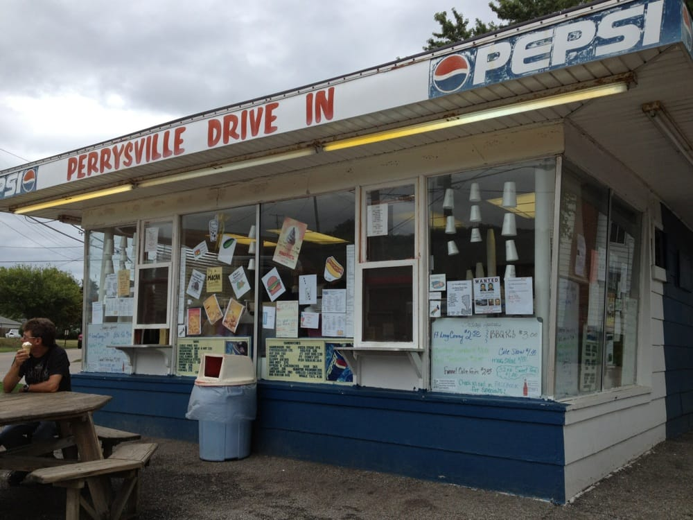 MooMali's Perrysville Drive- In: 101 S Bridge St, Perrysville, OH