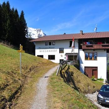 Alpengasthof Wiesenhof - German - Hauserberg 930, Mayrhofen, Tirol ...
