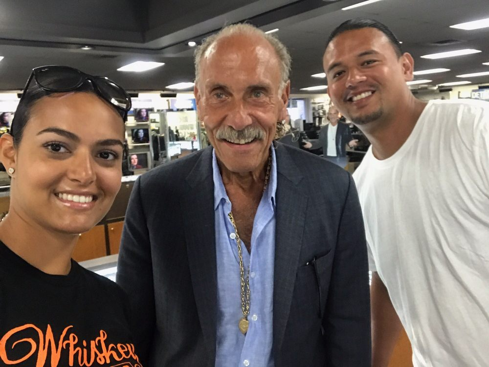 Photo with les gold how cool is that great friendly guy for Motor city pawn brokers detroit mi
