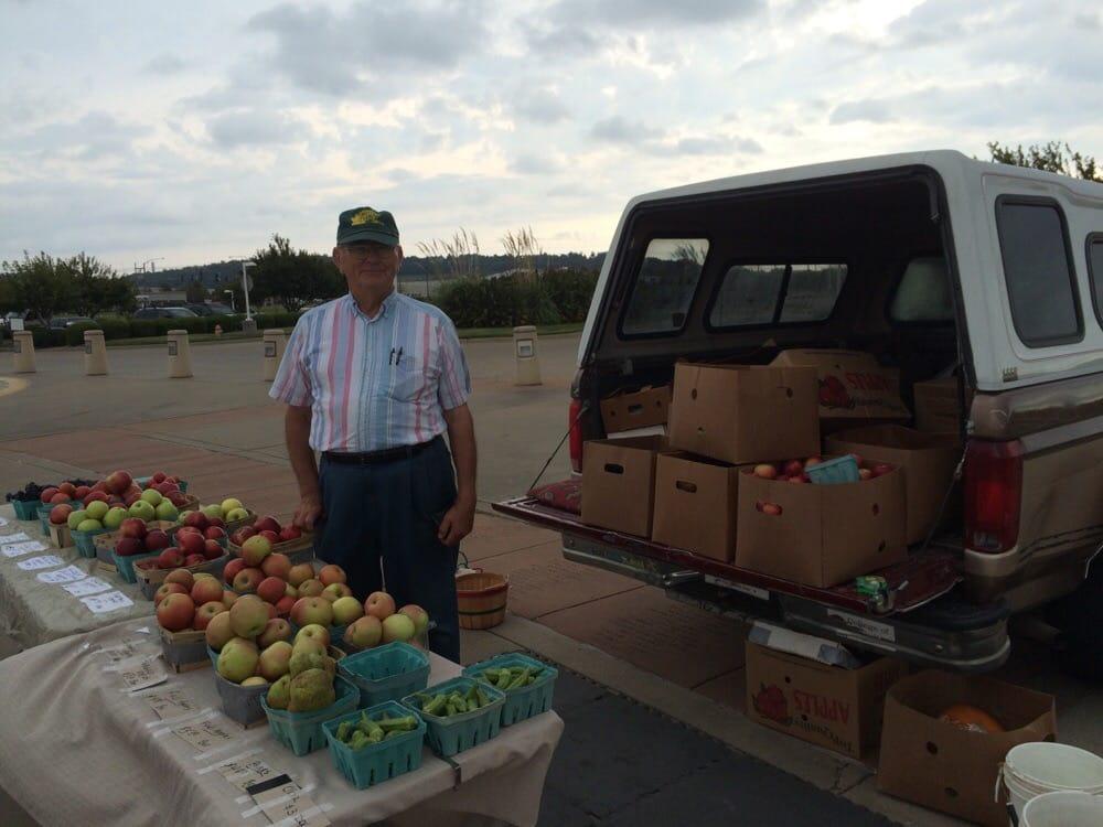 The Springdale Farmers' Market: Jones Center For Family, Springdale, AR