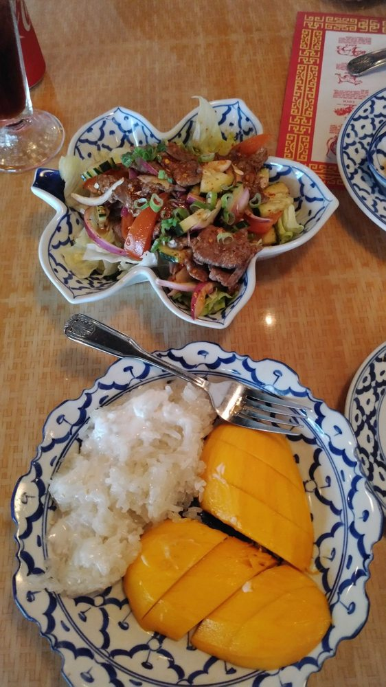 Yum Nuah & Mango with Sweet Sticky Rice (dessert) - Yelp