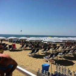 Bagno Arcobaleno - Beaches - Via Litoranea, 50, Marina di Pisa ...