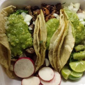 La Tiendita De Linda Vista - 55 Photos & 61 Reviews - Mexican ...