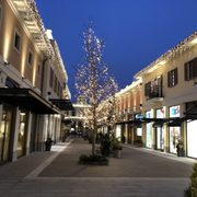 Franciacorta Outlet Village - 24 Fotos - Outlet - Via del Borgo 46 ...